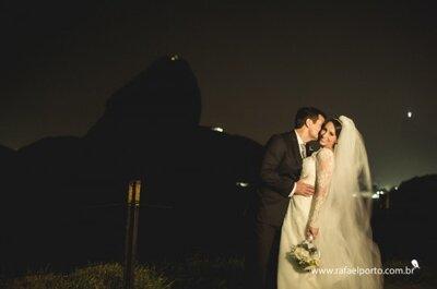 Casamento de Carolina e Flavius: decoração rústica-chic em Niterói