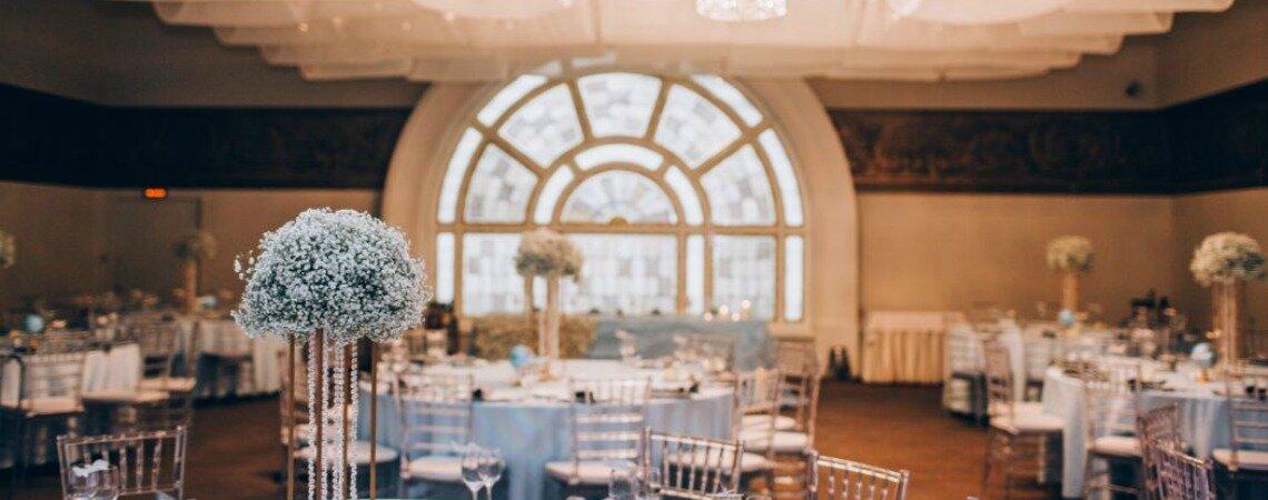 Нежная гипсофила в декоре и букете невесты