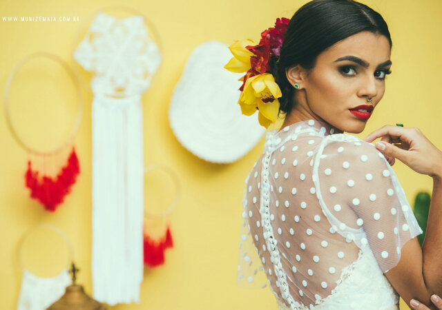 A Styled Shoot Inspired by Frida Kahlo: A Feast of Color, Style and Personality