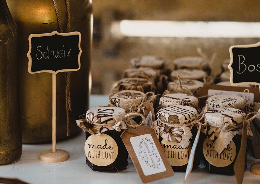 Mesa com as lembranças de casamento: 7 ideias realmente originais!