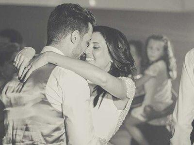 Scopri perché le coppie felici non pubblicano niente sui social