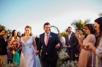 Destination wedding dos sonhos de Gabi & Otto: jardim com vista para praia como se fosse em casa