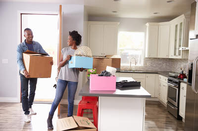¿Arrendar o comprar? La gran decisión al vivir juntos
