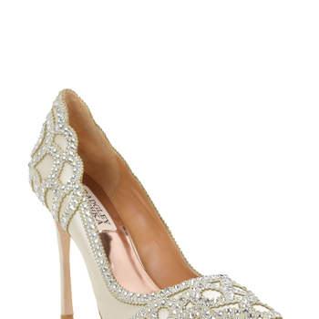 Rouge Embellished Evening Shoe. Créditos: Badgley Mischka