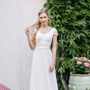 Robe de mariée intemporelle modèle Beryl - Crédit photo: Elsa Gary