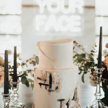 Inspiração para bolos de casamento de 2 andares | Créditos: Lauren Nicole Photography