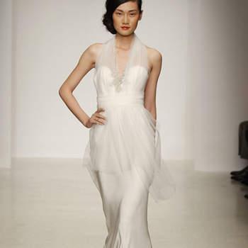 Vestido de novia escote en corazón con incrustaciones de pedrería en corsé
