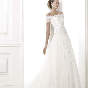 """<a href=""""http://zankyou.9nl.de/oss2"""" target=""""_blank"""">Marque um horário para provar os vestidos da nova coleção de vestidos de noiva Pronovias 2015 <img height='0' width='0' alt='' src='http://9nl.be/6sv0' />aquí</a>"""