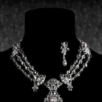 Con este collar, tu vestido pasará a segundo plano. Foto: Access Story. Boutique du soleil.