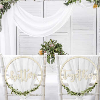"""Decoración Sillas de Novios """"Better Together""""- Compra en The Wedding Shop"""