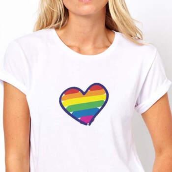 Camiseta wedding corazón arco iris mujer- Compra en The Wedding Shop