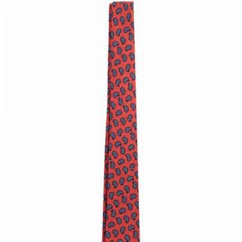 Corbata roja estampada. Credits: Scalpers