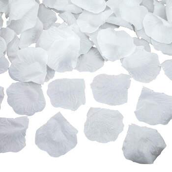 Foto: Pétalos de tela blancos