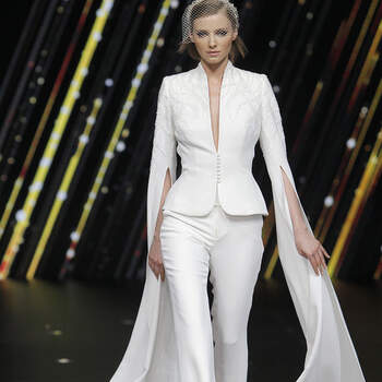 Pronovias. Credits: Barcelona Bridal Fashion Week.