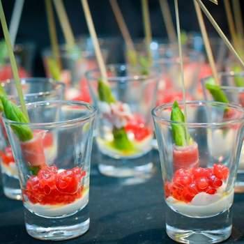 Envoltines de arpargo e parma com ovas frescas de salmão