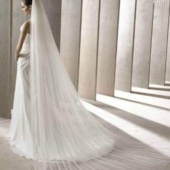 """O véu é parte importante para o look de toda noiva que opte por usá-lo! Veja a coleção Pronovias dos mais lindos véus. Foto: <a href=""""http://zankyou.9nl.de/oss2"""" target=""""_blank"""">Pronovias</a>"""