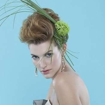Penteado para noiva de cabelo curto.