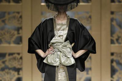Vestidos de fiesta Carla Ruiz 2016: culto a la cultura japonesa