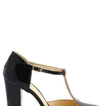 Sandales vernies noires. - Crédit photo : San Marina