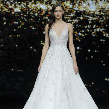 Pronovias. Credits_ Barcelona Bridal Fashion Week