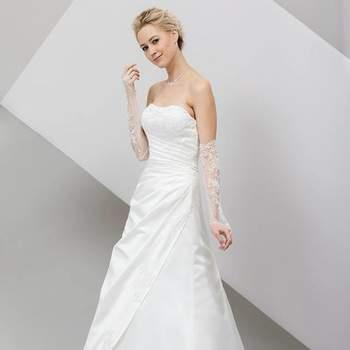 Silvia Mode: all'interno dell'atelier troverete un vasto assortimento di abiti non solo da sposa, ma anche da cerimonia, per lo sposo e gli invitati dei migliori brand e di alta qualità.