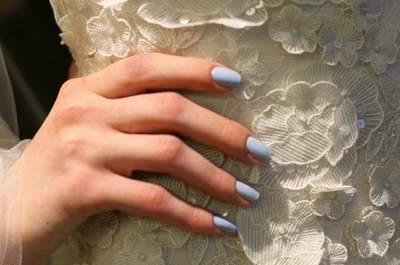 7 manicure cool per esibire la tua fede nuziale