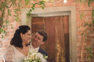 Casamento intimista de Vanessa & Sérgio: cerimônia linda, com decoração aconchegante e momentos da mais pura emoção!