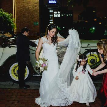 """Una organizadora de bodas como <a href=""""https://www.zankyou.com.co/f/cristina-rojas-wedding-event-planner-404628"""" target=""""_blank"""">Cristina Rojas - Wedding Planner &amp; Event Designer</a> será tu mano derecha en cada uno de los momentos de la boda. No te vas a sentir sola en ningún momento."""