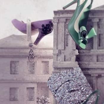 La bolsa o cartera para la novia es un accesorio que te ayudará a mantener el estilo y estar siempre bella. Tendrás a la mano tu labial, polvo, rubor y espejito para lucir siempre radiante. BHLDN