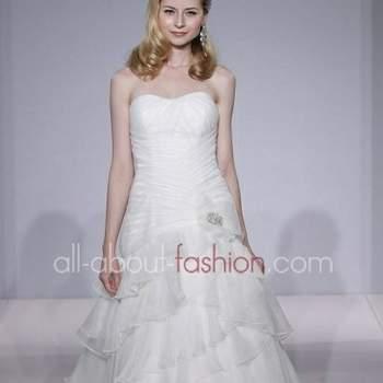 Dalla New York Bridal Shows il trionfo della femminilità più morbida e sensuale
