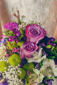 Brautsträuße 2016 - Rosen oder Nelken?