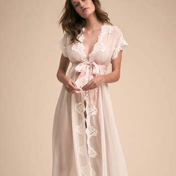 Créditos: Danika Robe, Bhldn