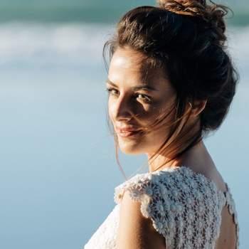 Tânia de Sousa Hairstylist | Créditos:  M.o.D - Photo by Matilde Berk - Modelo: Helena Coelho - MuA. Marta Alves