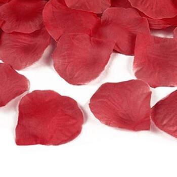 Foto: Pétalos de tela rojos