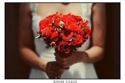 Bouquets de mariée rouges, couleur de l'amour!