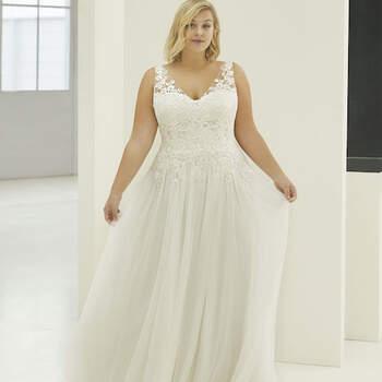 White Boutik Curves, Monica Modeca