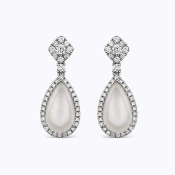 Brincos removíveis de ouro branco com pedra luna e diamantes brilhantes. Créditos: Suarez