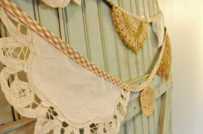 Farbenfrohe Hochzeitsdekoration: Schmücken Sie Ihre Location mit Wimpelketten und Girlanden!
