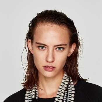 Collar de perlas. Credits:  Zara
