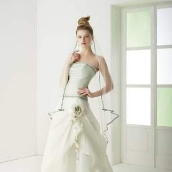 A coleção 2013 de vestidos de noiva da Le Rose & Co. Spose, além de delicada e romântica, têm detalhes em verde para noivas que querem fugir do tradicional. Inspire-se nos lindos modelos!