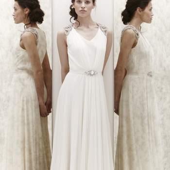 """<a title=""""Vestidos de noiva 2013"""" href=""""https://www.zankyou.pt/p/vestidos-de-noiva-2013"""">Saiba mais sobre as colecções de vestidos de noiva 2013.</a>"""