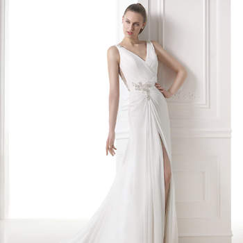 "<a href=""http://zankyou.9nl.de/zyii"">Click here for an appointment at Pronovias and view their new 2015 collection.</a>"