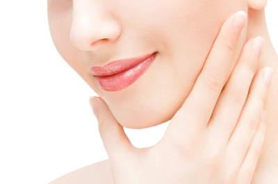 La mesoterapia facial sirve para borrar las pequeñas marcas y arruguitas