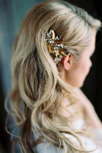 Fryzura ślubna z rozpuszczonych włosów 2017