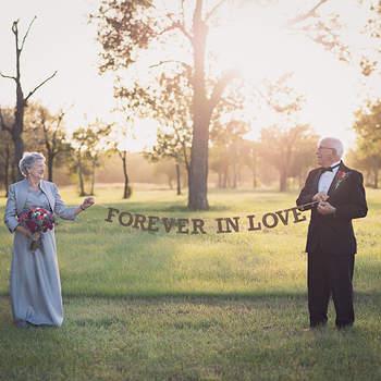 As fotografias de casamento 70 anos depois ... e o amor ainda está no ar!