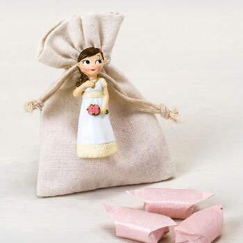 Imán niña comunión bolsa con caramelos- Compra en The Wedding Shop