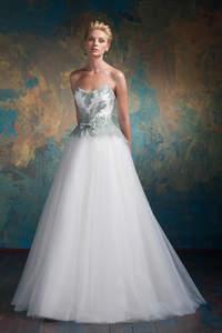 Modelatti Brautkleider: Eleganz, die für sich spricht!