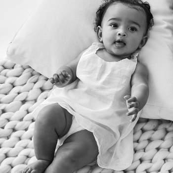A gestação foi muito falada, pois a menina - que fez agora um ano -  nasceu de uma barriga de aluguer. | Foto via Instagram @kimkardashian