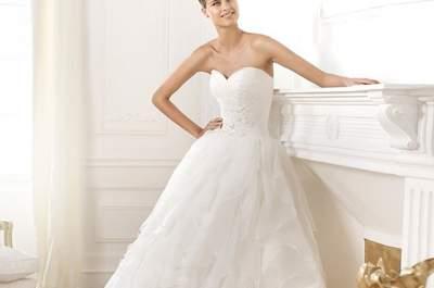 Encanto en blanco: Vestidos de novia 2014 de Pronovias colección