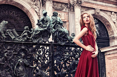Descubre los vestidos de novia con detalles en rojo más atrevidos para 2016